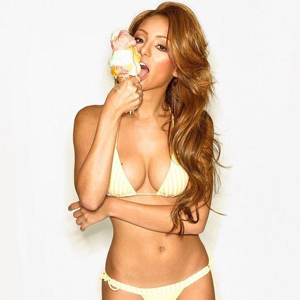 Hot girls to follow